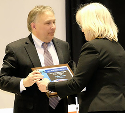 Steve Kuusisto receives the I C S award